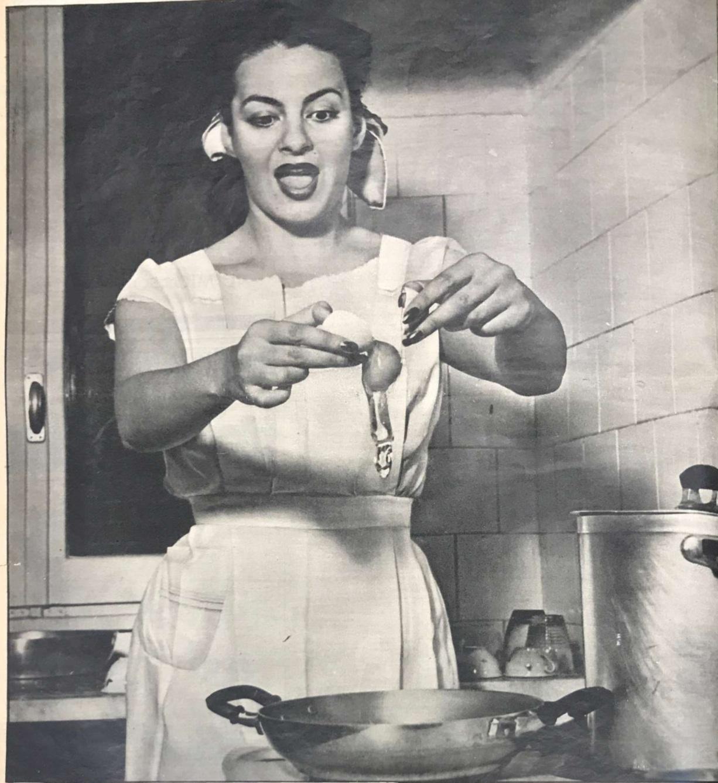 <p>Yvonne Sanson casalinga di lusso su <em>Oggi</em> (a. VII, n. 25, 1951, p. 40)</p>