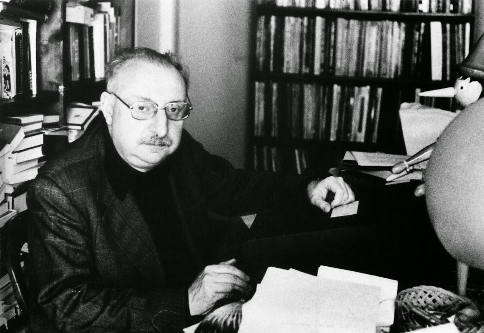 Fig. 2. Manganelli e il suo Pinocchio, anni 70