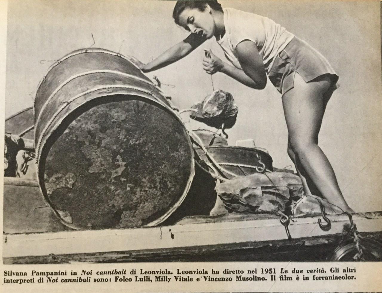 Una foto di Silvana Pampanini nella sezione 'Notizie' di Cinema nuovo, 18, settembre 1953