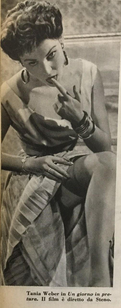 Scatto di Tania Weber a illustrare Un giorno in pretura di Steno, 1953 (Cinema nuovo, 22, novembre 1953Scatto di Tania Weber a illustrare Un giorno in pretura di Steno, 1953 (Cinema nuovo, 22, novembre 1953)