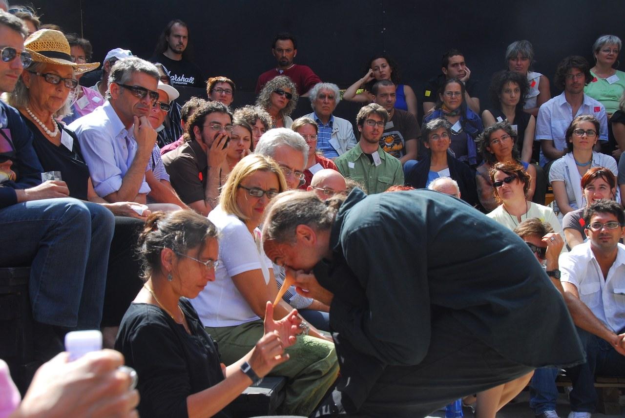 Fig. 2. Compagnia della Fortezza, Pinocchio. Lo Spettacolo della Ragione, regiadi Armando Punzo (Casa di Reclusione di Volterra, 2008), foto di Stefano Vaja