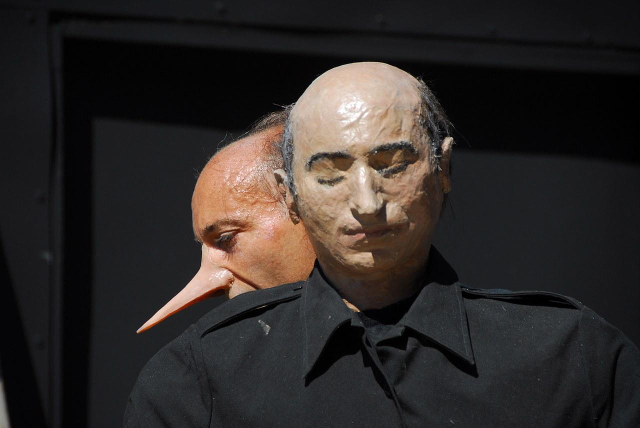 Fig. 3. Compagnia della Fortezza, Pinocchio. Lo Spettacolo della Ragione, regiadi Armando Punzo (Casa di Reclusione di Volterra, 2007), foto di Stefano Vaja
