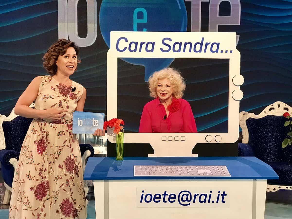 Fig. 1 Sandra Milo nella trasmissione Io e te in onda nell'estate 2019, in fascia pomeridiana, su Rai 1