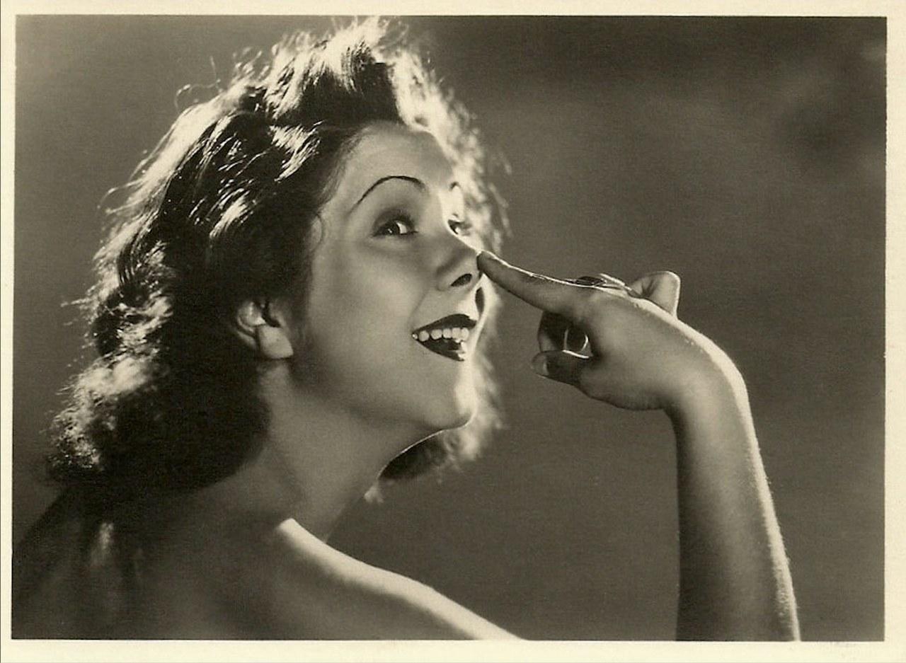 Fig. 4 Lilia Silvi in un ritratto fotografico di Bragaglia
