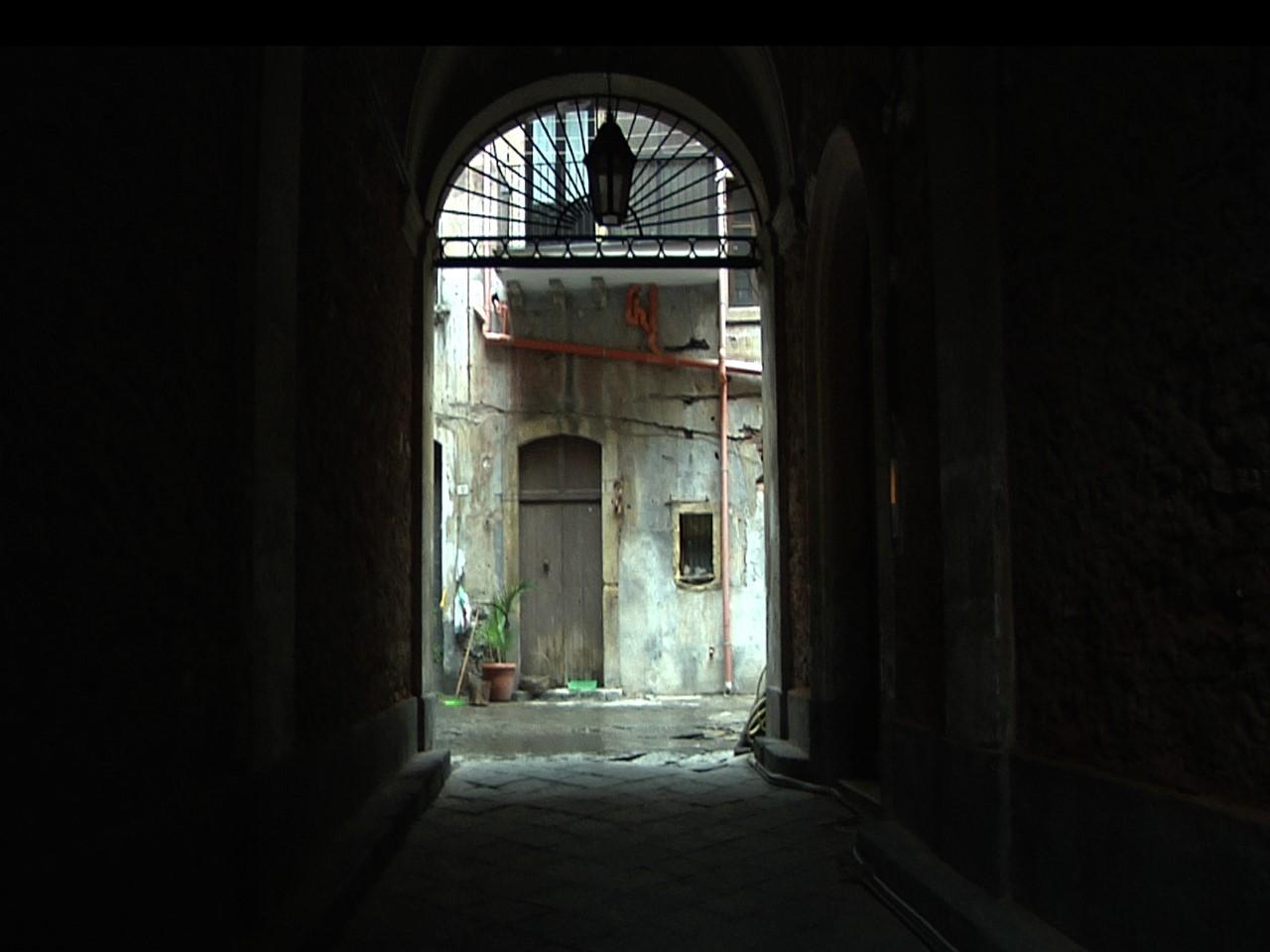 Il cortile della casa di Goliarda Sapienza © Maria Arena