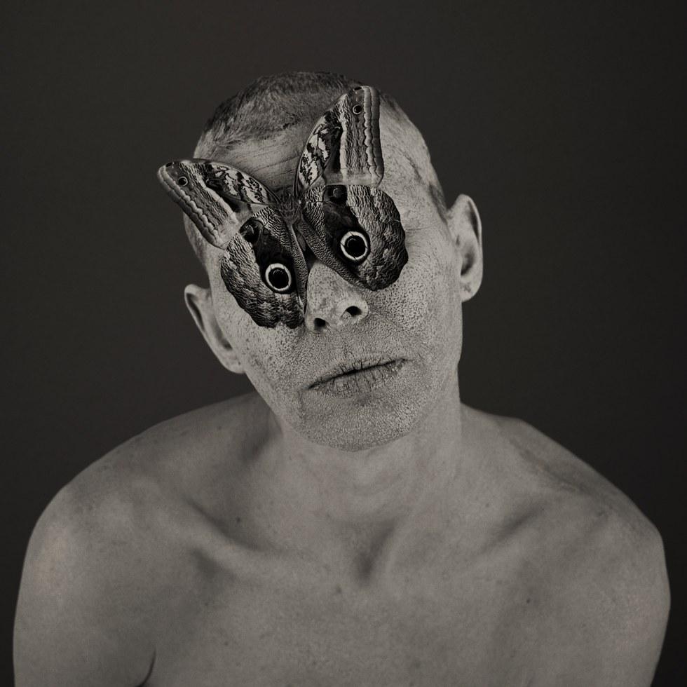 Roberto Kusterle, Lenti a contatto, 2004, dalla serie I riti del corpo