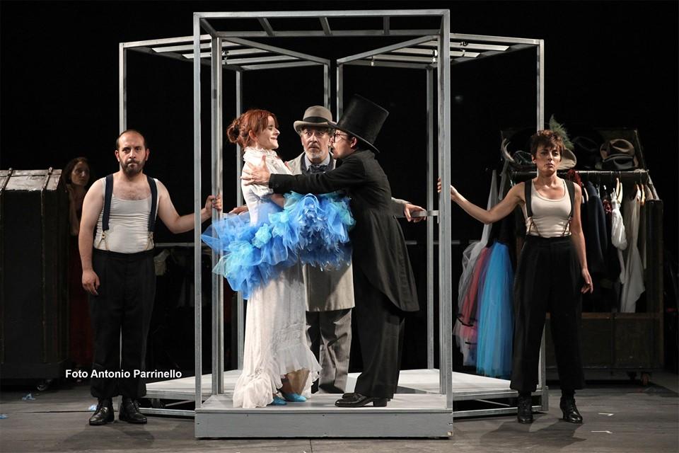 C. Natoli, C. Minasi, G. Cesale, G. Carullo e M. Ventura in Marionette, che passione! (foto di A. Parrinello)