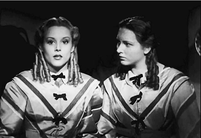 Maria Mercader e Carla Del Poggio nel film Un garibaldino al convento di Vittorio De Sica, 1942