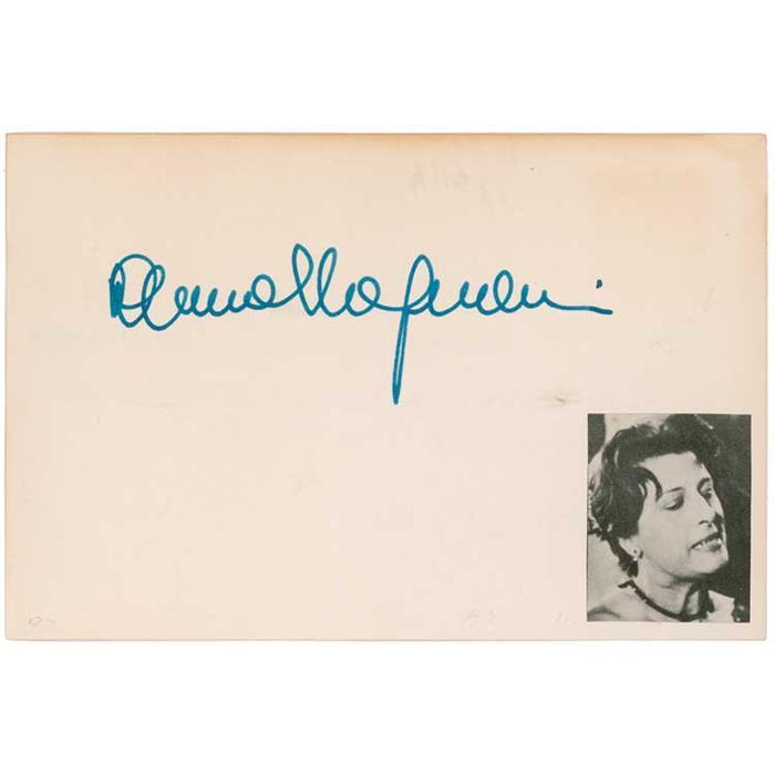 Fig. 5 Autografo di Anna Magnani (anni '50)