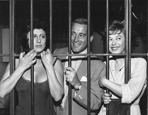 Anna Magnani, Perry Como e Giulietta Masina sul set de Nella città l'inferno di Renato Castellani, 1958