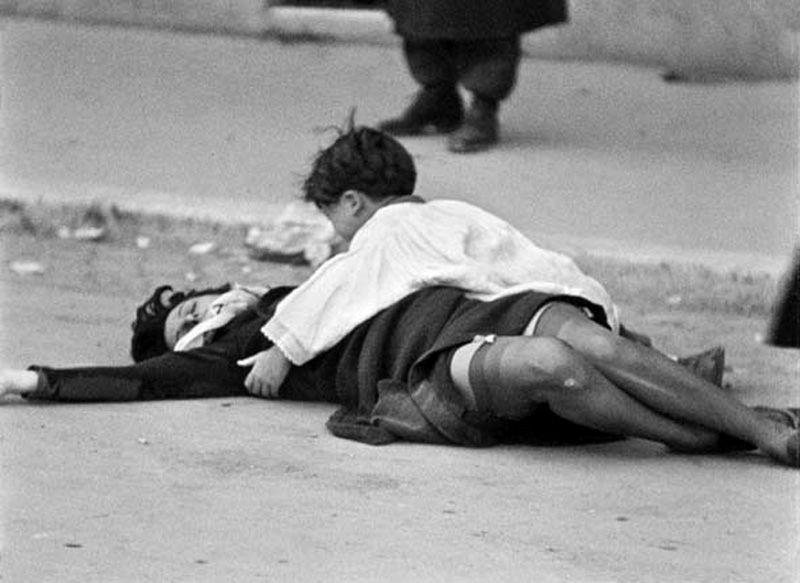 Anna Magnani madre e simbolo della Resistenza in Roma citta' aperta di R. Rossellini, 1945