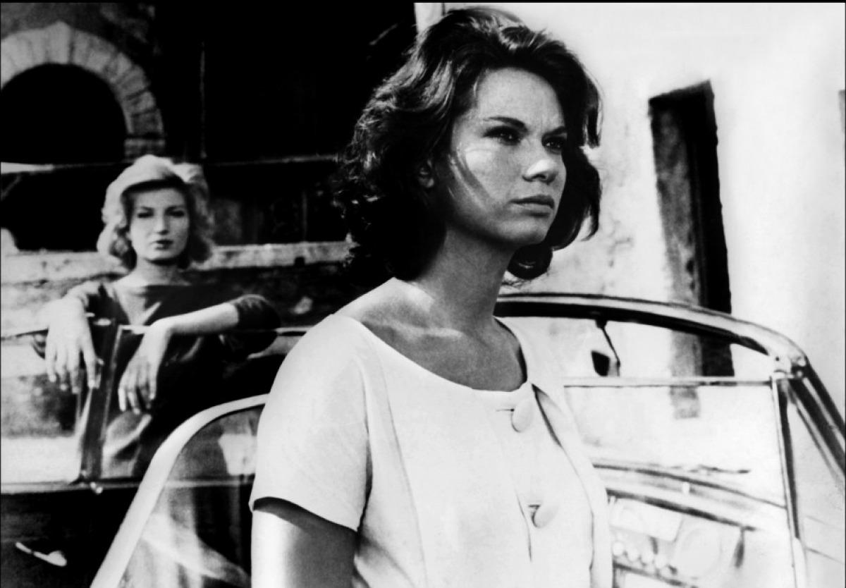 Lea Massari e Monica Vitti nel film L'avventura