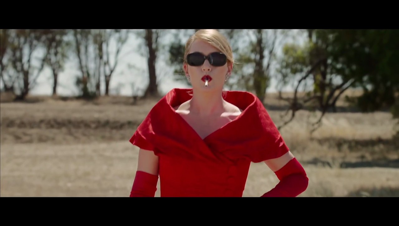 Kate Winslet nel film The Dressmaker di Joselyn Moorhouse, 2015