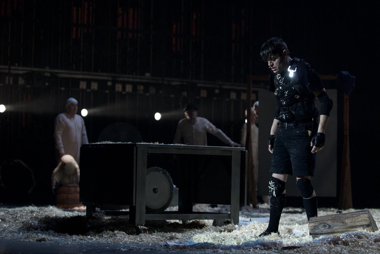 Fig. 1. Pinocchio, regia di Antonio Latella (2017) ©Brunella Giolivo / Piccolo Teatro di Milano – Teatro d'Europa