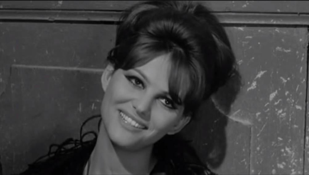 Fig. 6 Claudia Cardinale in una scena di 8 e ½ (1963) di Federico Fellini