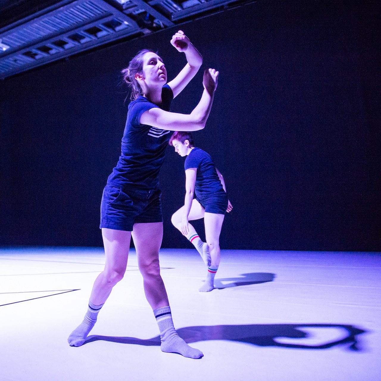 Alphabet: Sistema, danzatori: Carolina Amoretti, Sissj Bassani e Marco valerio Amico. Scenario Pubblico, Catania 1-2 dicembre 2018; ph. Serena Nicoletti