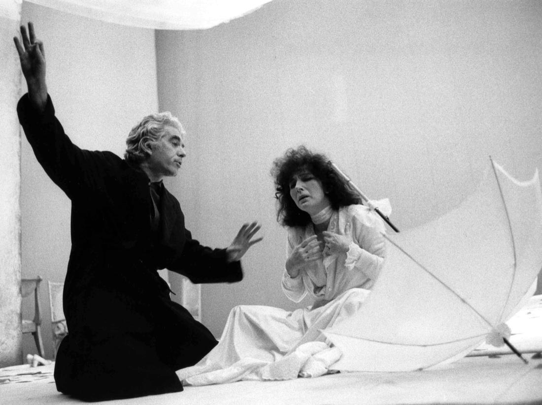 Fig. 6 Giorgio Strehler e Valentina Cortese provano Il giardino dei ciliegi (Piccolo Teatro di Milano, 1974). Foto di Luigi Ciminaghi