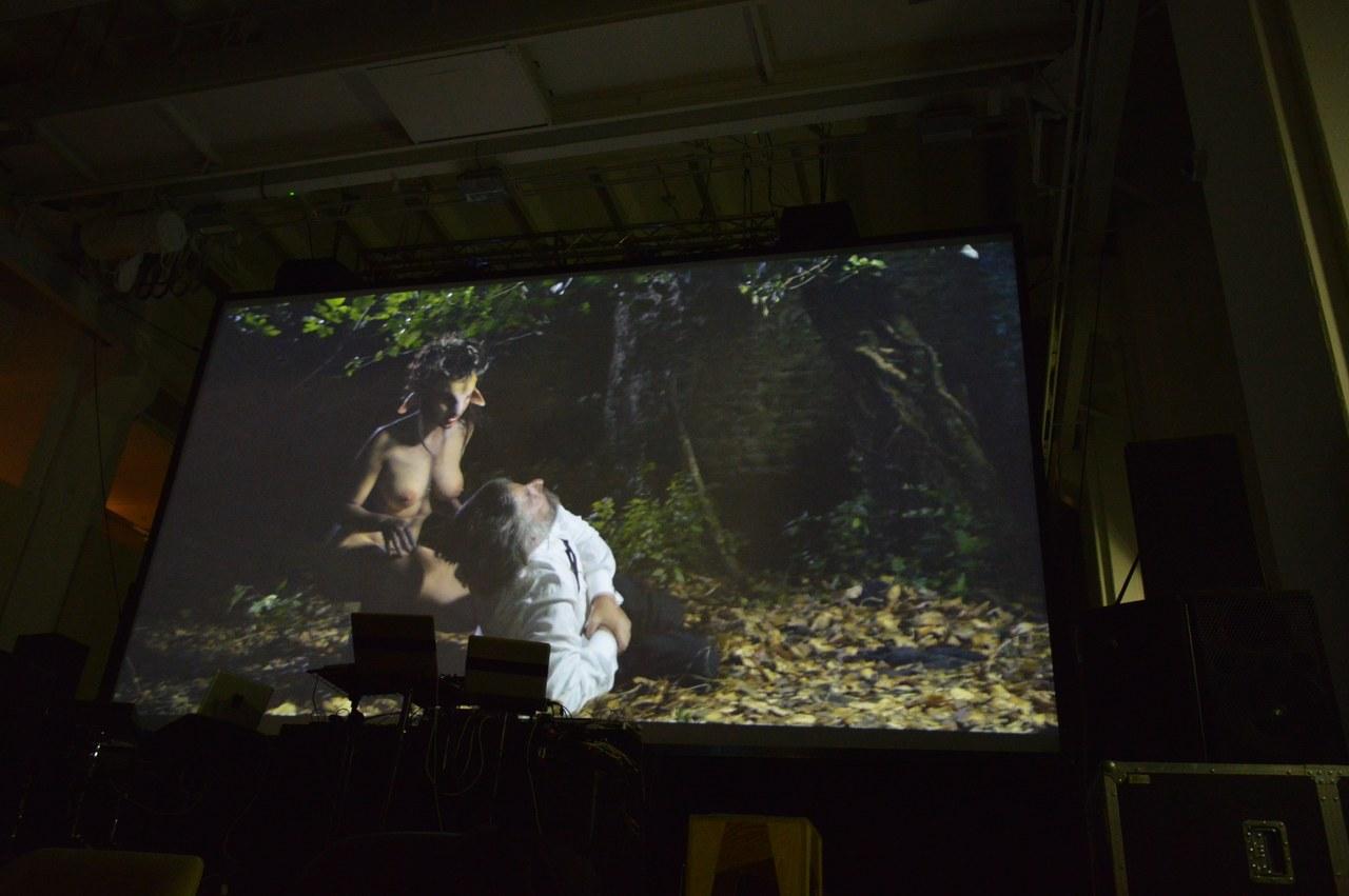 Una scena diQueen Kong