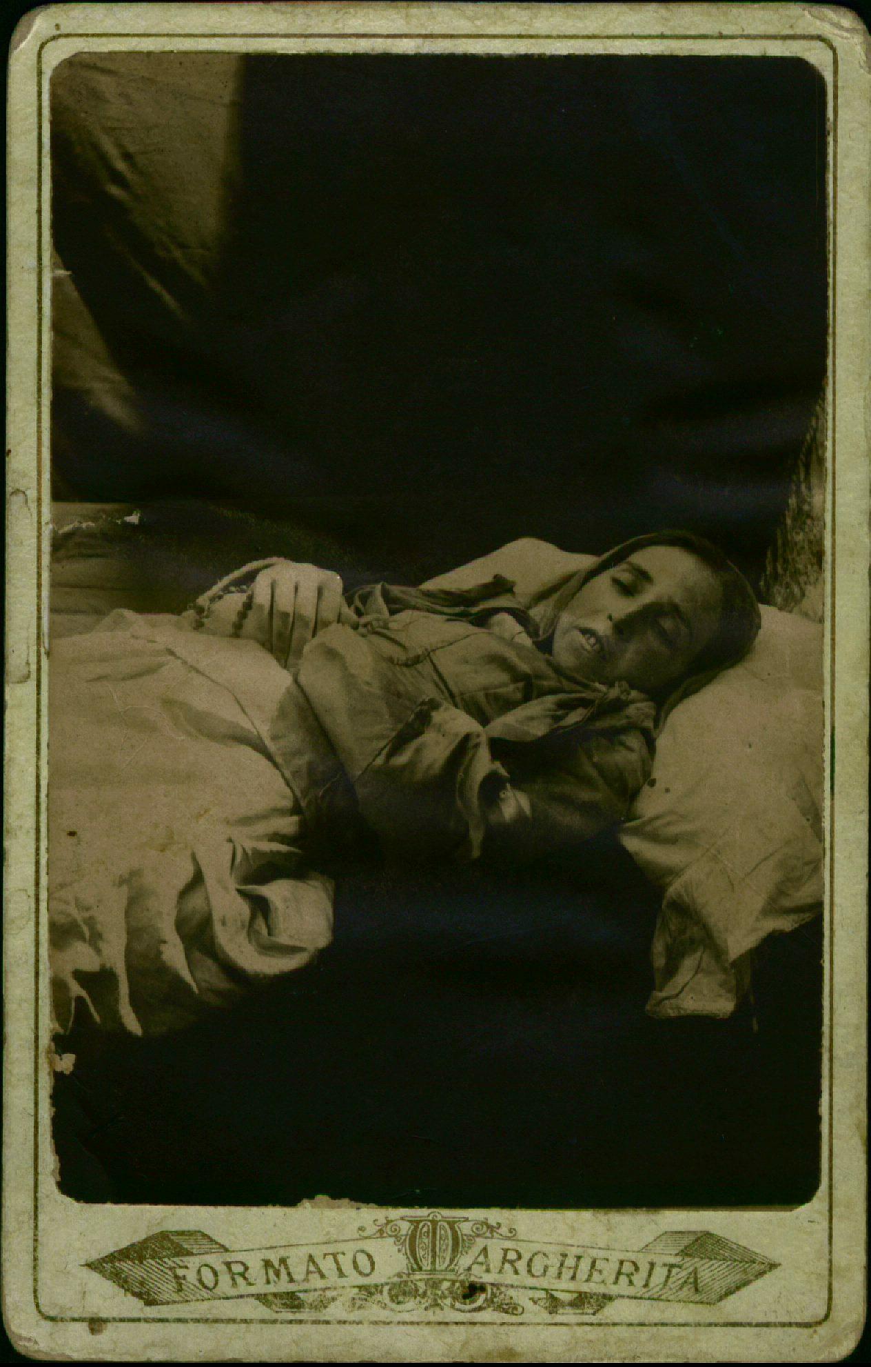 Donna sul letto di morte, 106x71, n. 4012
