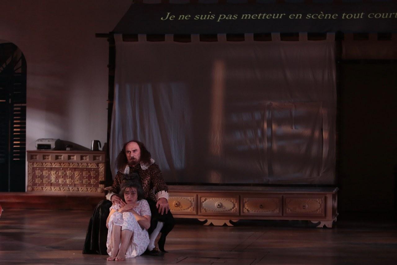 Shakespeare consola Cornelia. In scena: Hélène Cinque e Maurice Durozier ©Michele Laurent