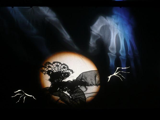 Tutu – Lichtbende - foto Rob Logister