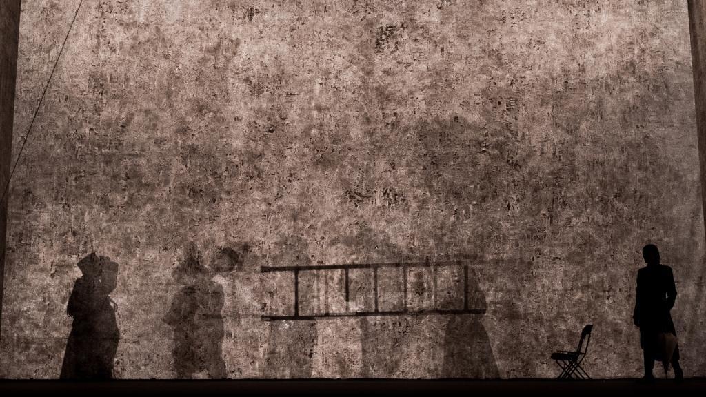Teatropersona, Il giardino dei ciliegi, 2019, regia, drammaturgia, scene, luci, costumi di Alessandro Serra, foto di Alessandro Serra