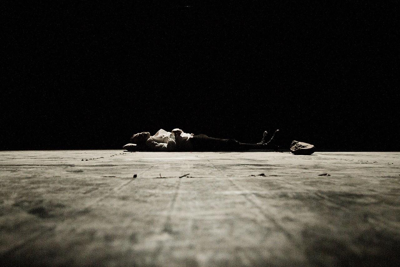 Teatropersona, Macbettu, 2017, regia, scene, luci, costumi di Alessandro Serra; foto di Alessandro Serra