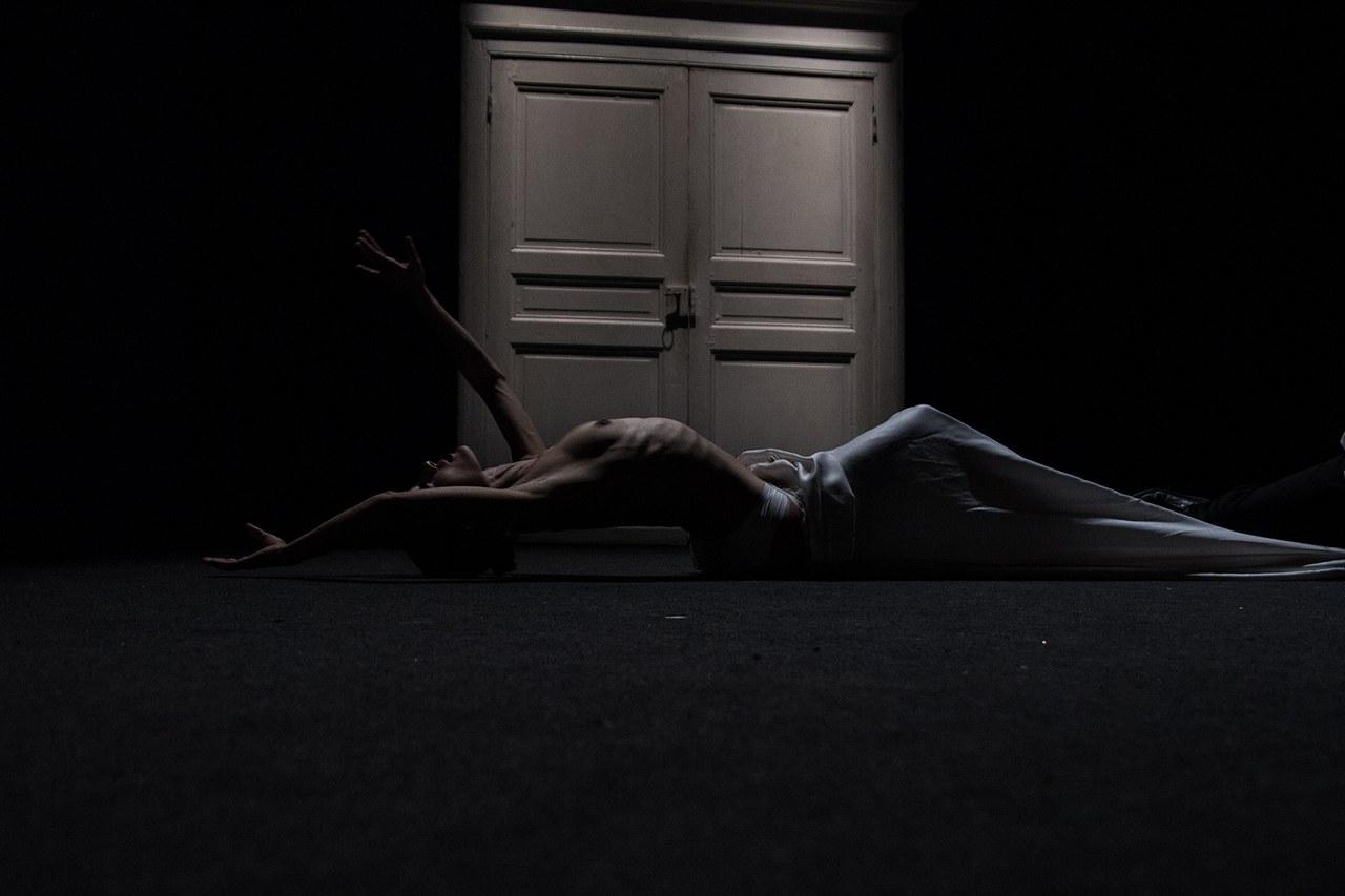 Teatropersona, AURE, 2011, drammaturgia, regia, scene, luci di Alessandro Serra; foto di Alessandro Serra