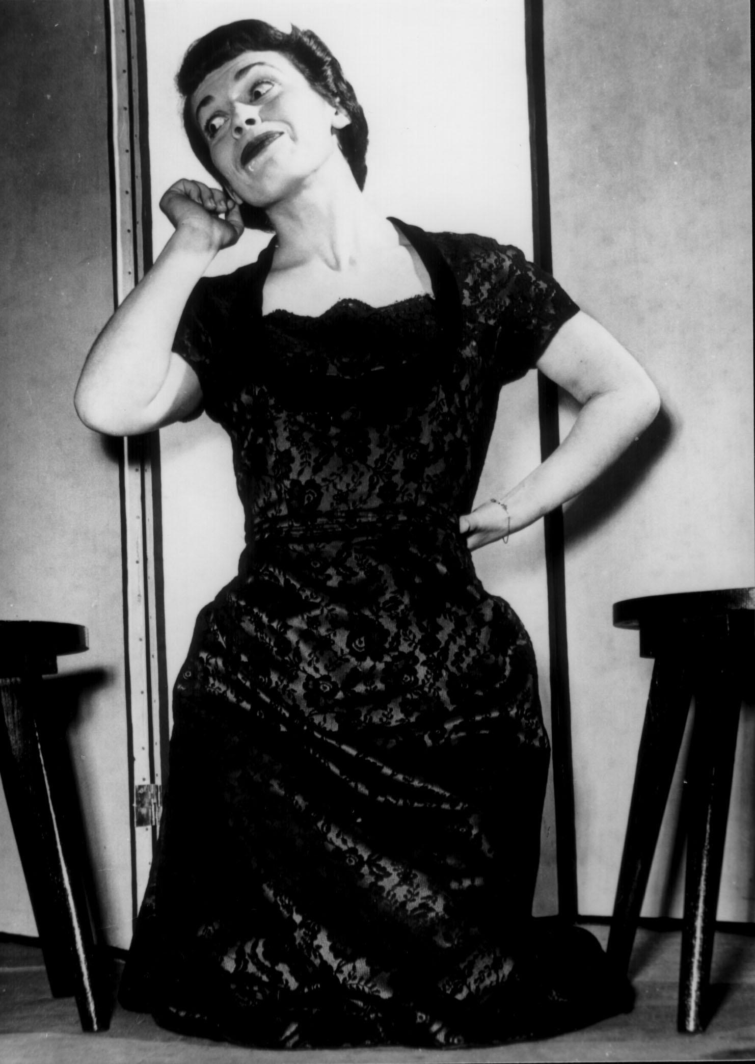 "Franca Valeri ""Signorina Snob"" inCarnet de notesdei Gobbi (Valeri, Bonucci, Caprioli), 1951"