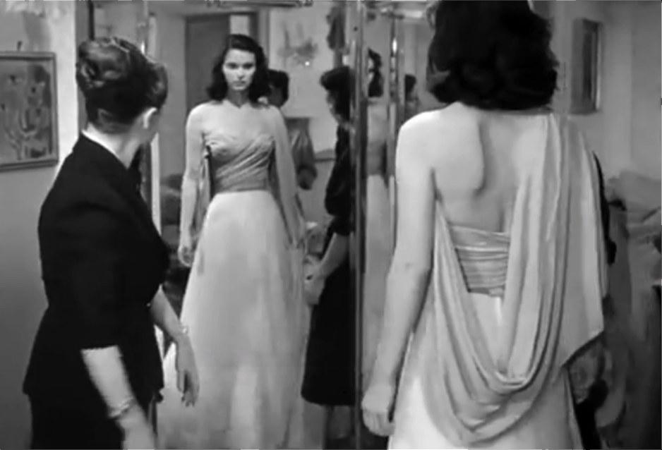 Marisa viene scelta come mannequin nell'atelier Fontana, Le ragazze di Piazza di Spagna (1952)
