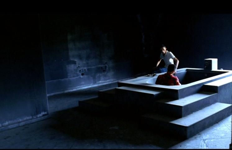Un fotogramma di Gomorra, di Matteo Garrone (2008)