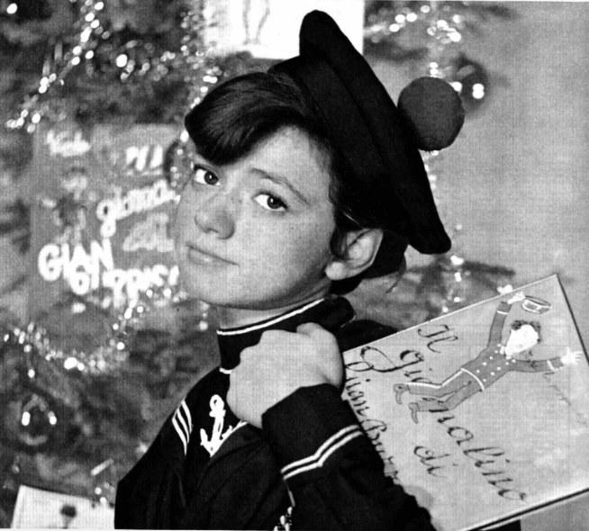 Rita Pavone nei panni di Giannino Stoppani nello sceneggiato televisivo Il giornalino di Gianburrasca di Lina Wertmüller, 1964-1965