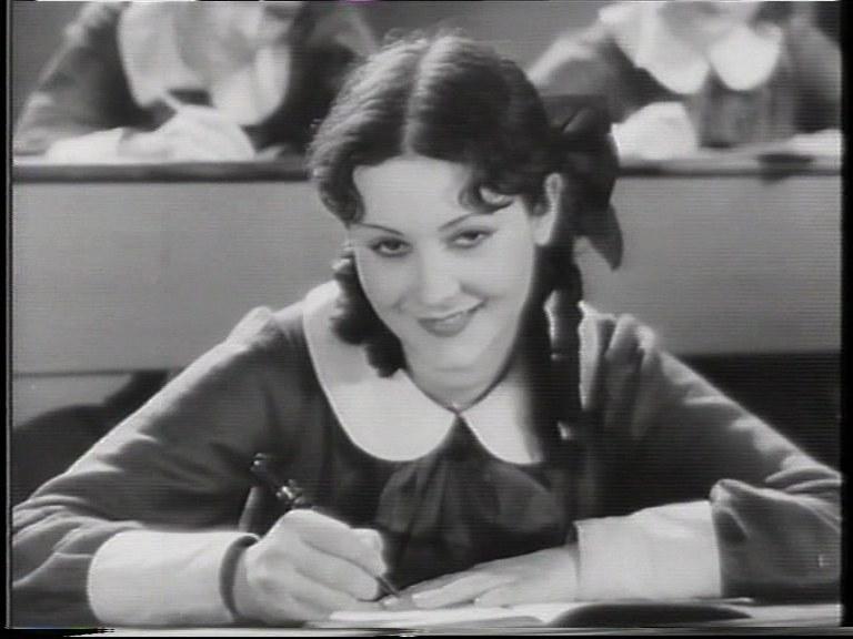 Maria Denis in un fotogramma di Seconda B di Goffredo Alessandrini, 1934