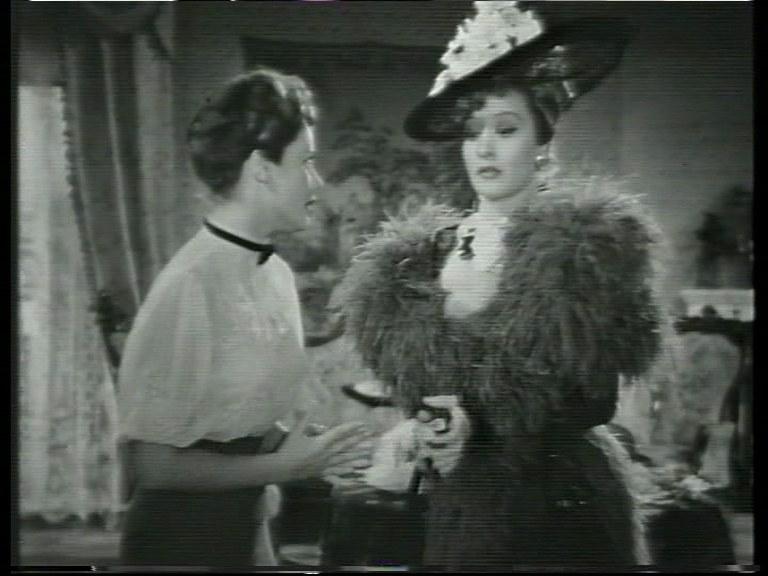 Maria Denis in un fotogramma di Addio giovinezza! di Ferdinando Maria Poggioli, 1940