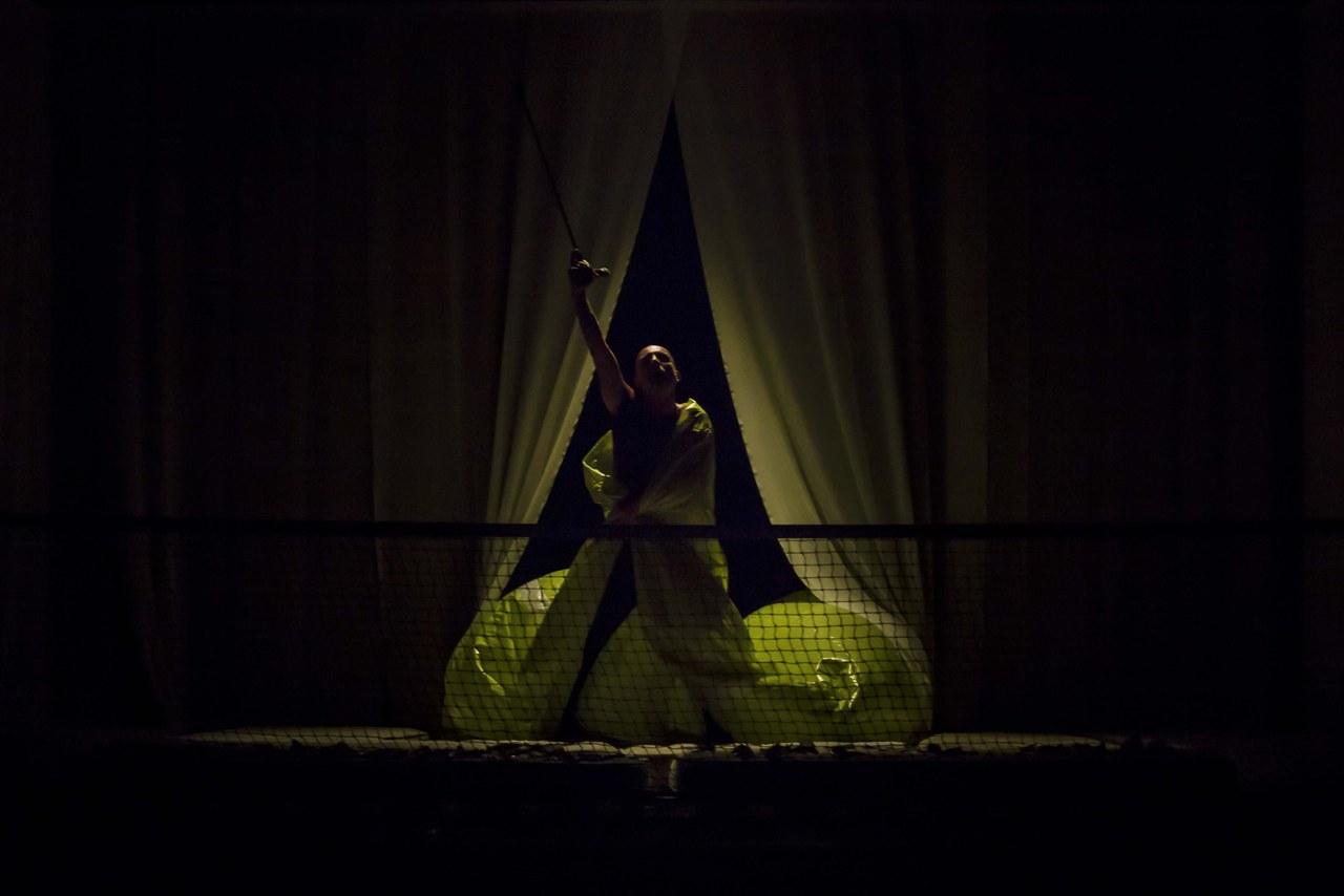 In exitu, adattamento, interpretazione e regia di Roberto Latini, Napoli Teatro Festival 2019. © Ivan Nocera