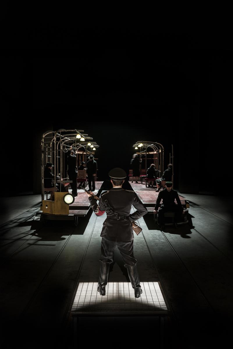 Fig. 2 Uomini e no, regia di Carmelo Rifici (2017) © Masiar Pasquali