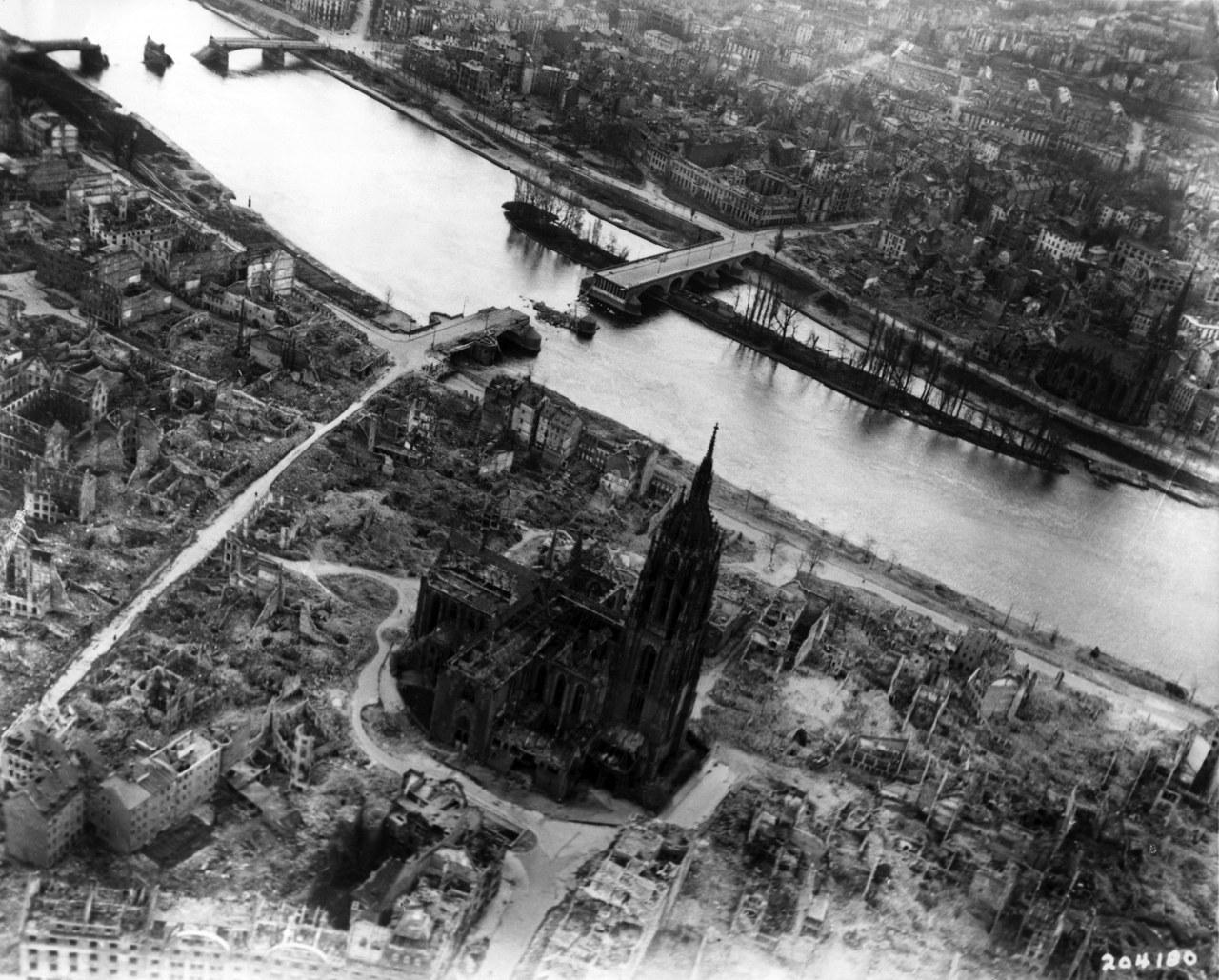 Francoforte sul Meno nel 1944