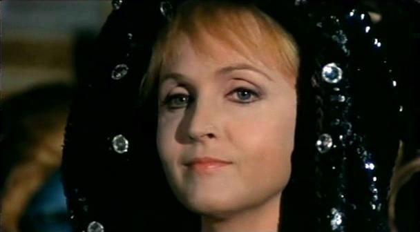 Fig. 2 Laura Betti in Il rosso segno della follia di Mario Bava (1970)