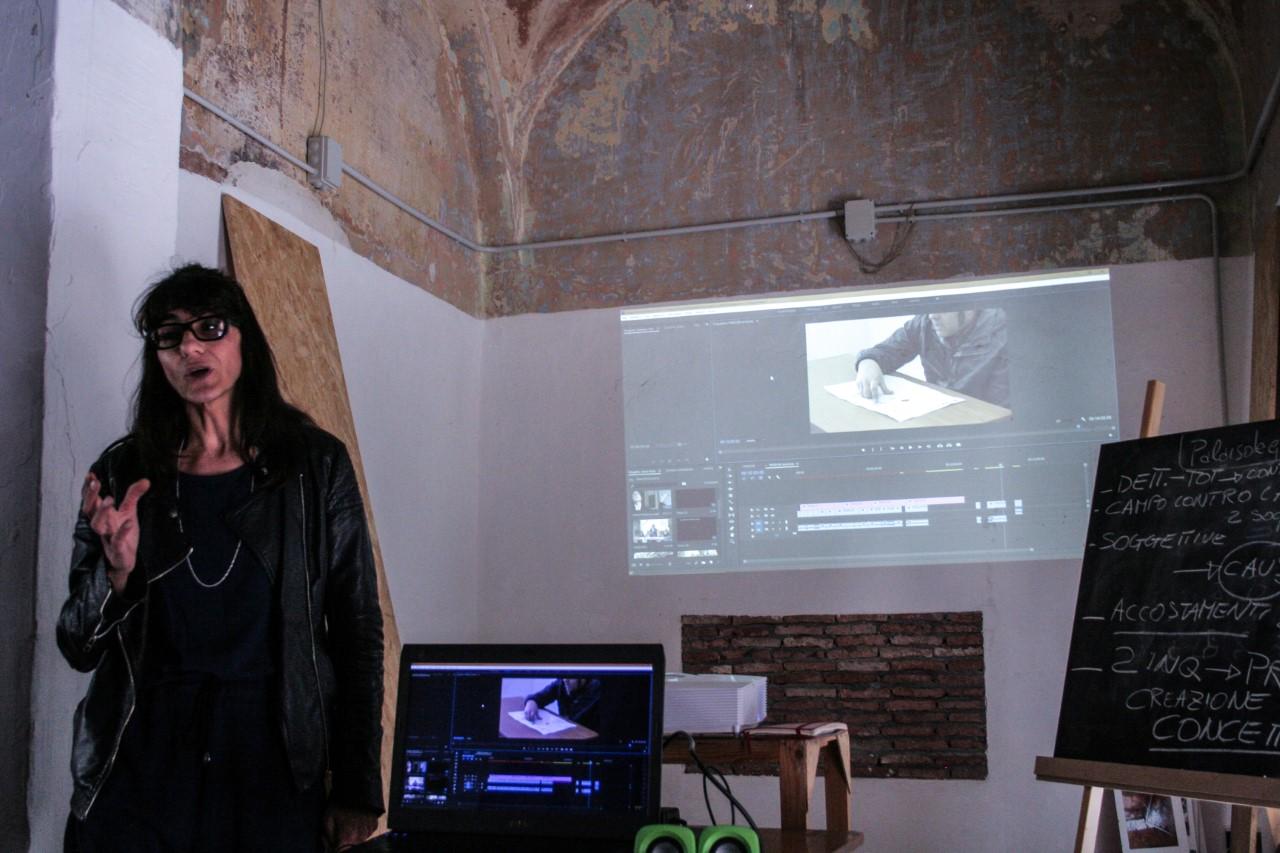 Un momento del laboratorio di videodocumentazione condotto da Maria Arena © Federica Castiglione