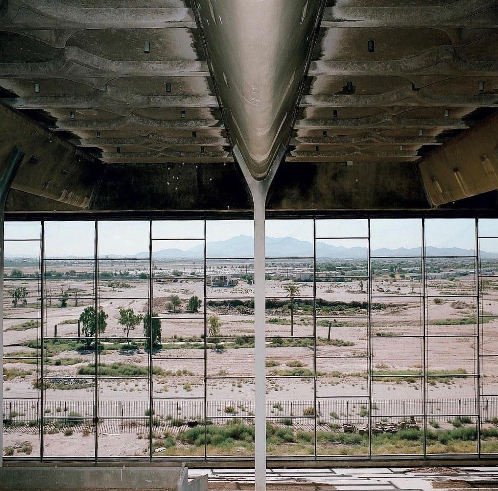 Trotter Park, Phoenix, Arizona, foto di Ramak Fazel riportata anche nel retro di copertina