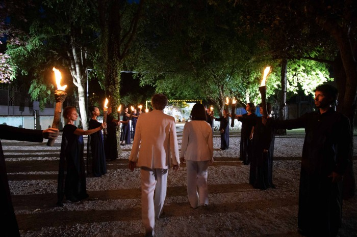 Il passaggio, a Ravenna, attraverso il 'muro di fuoco' dei lussuriosi (foto di S. Lelli)