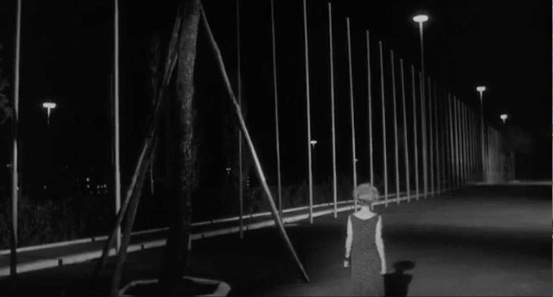 Monica Vitti in una scena di L'eclisse di Michelangelo Antonioni, 1962