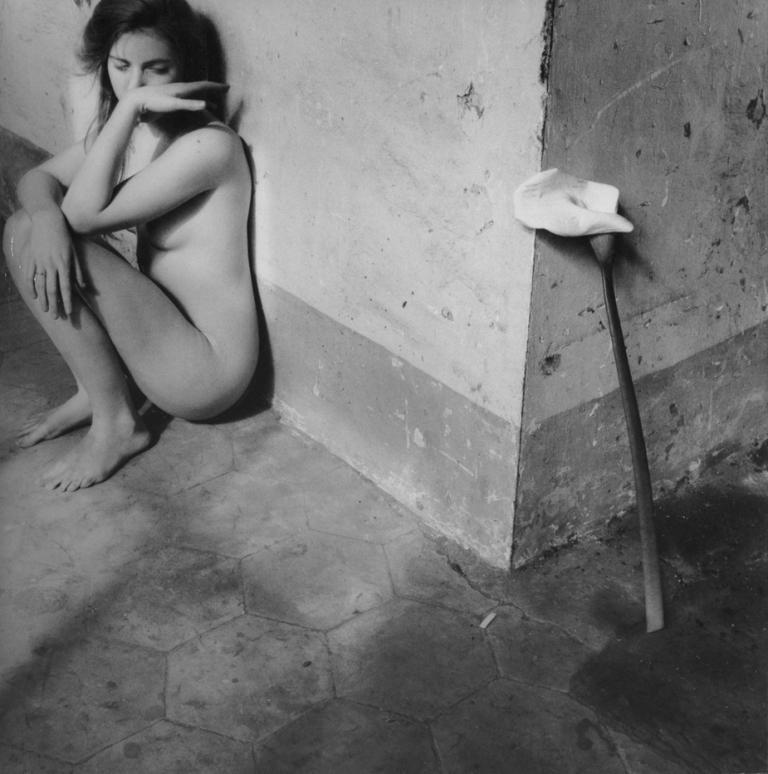 Francesca Woodman, Autoritratto con calla, 1977-1978
