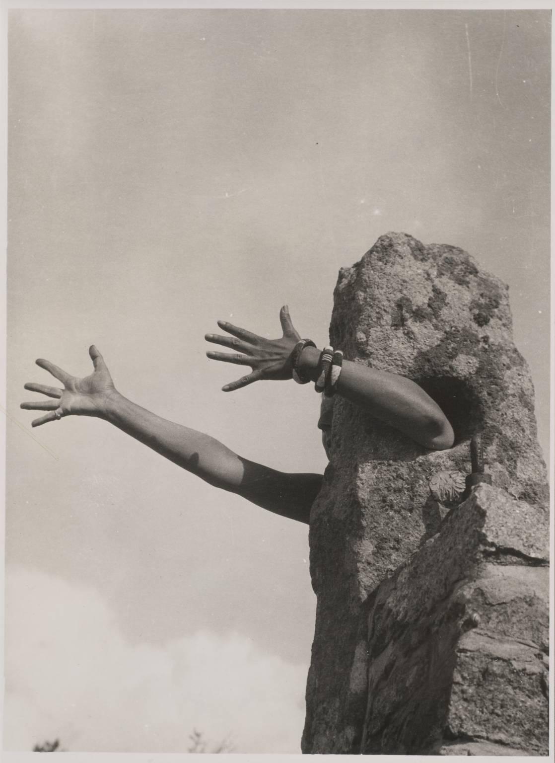 Claude Cahun, Je tends les bras, 1931-1932