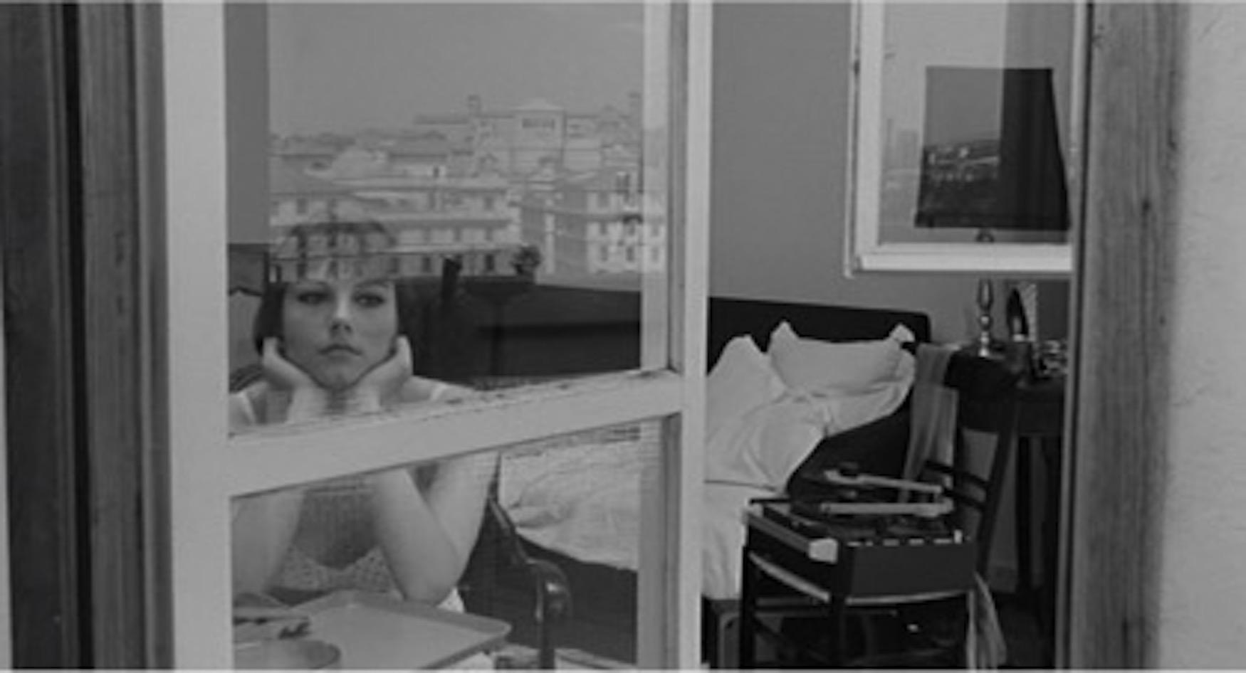 Stefania Sandrelli in un fotogramma di Io la conoscevo bene di Antonio Pietrangeli, 1965