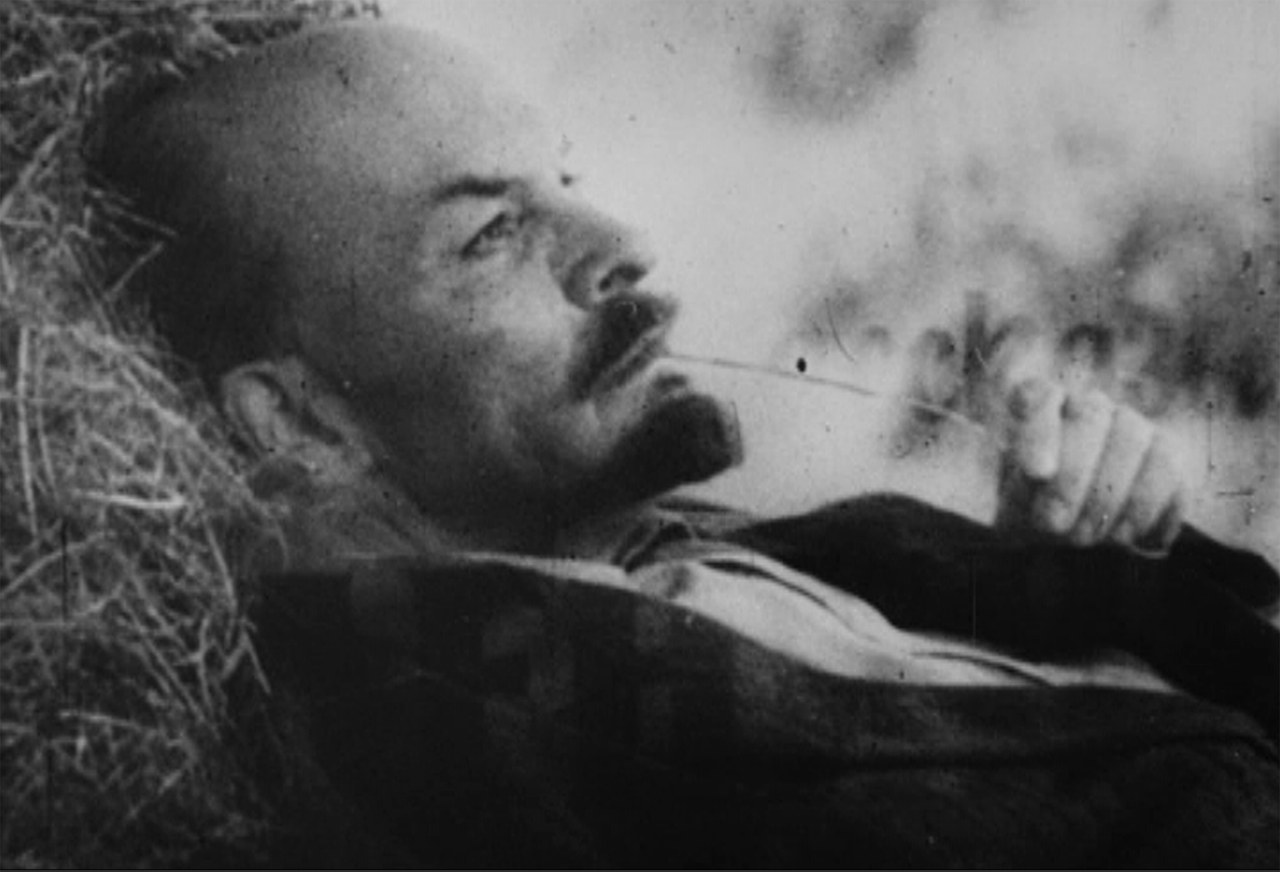 Fotogramma da La rabbia (1963)