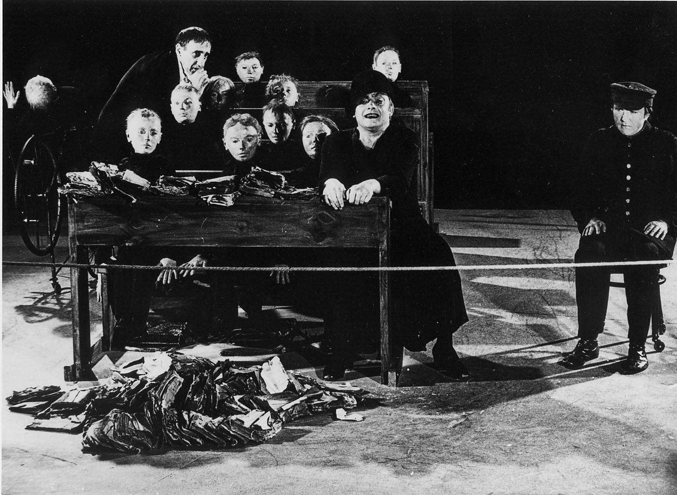 La classe morta, Tadeusz Kantor, 1975