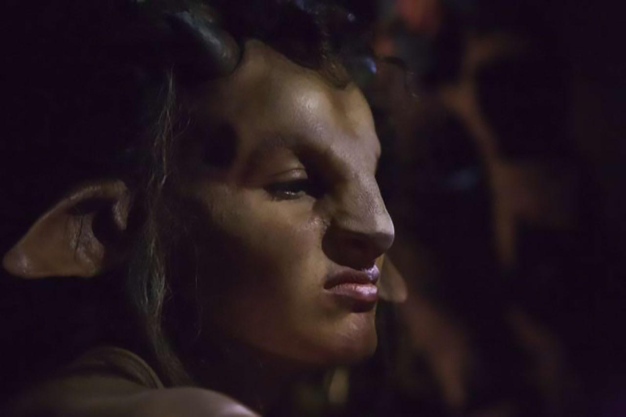Valentina Nappi trasformata nel Satiro del cortoQueen Kong